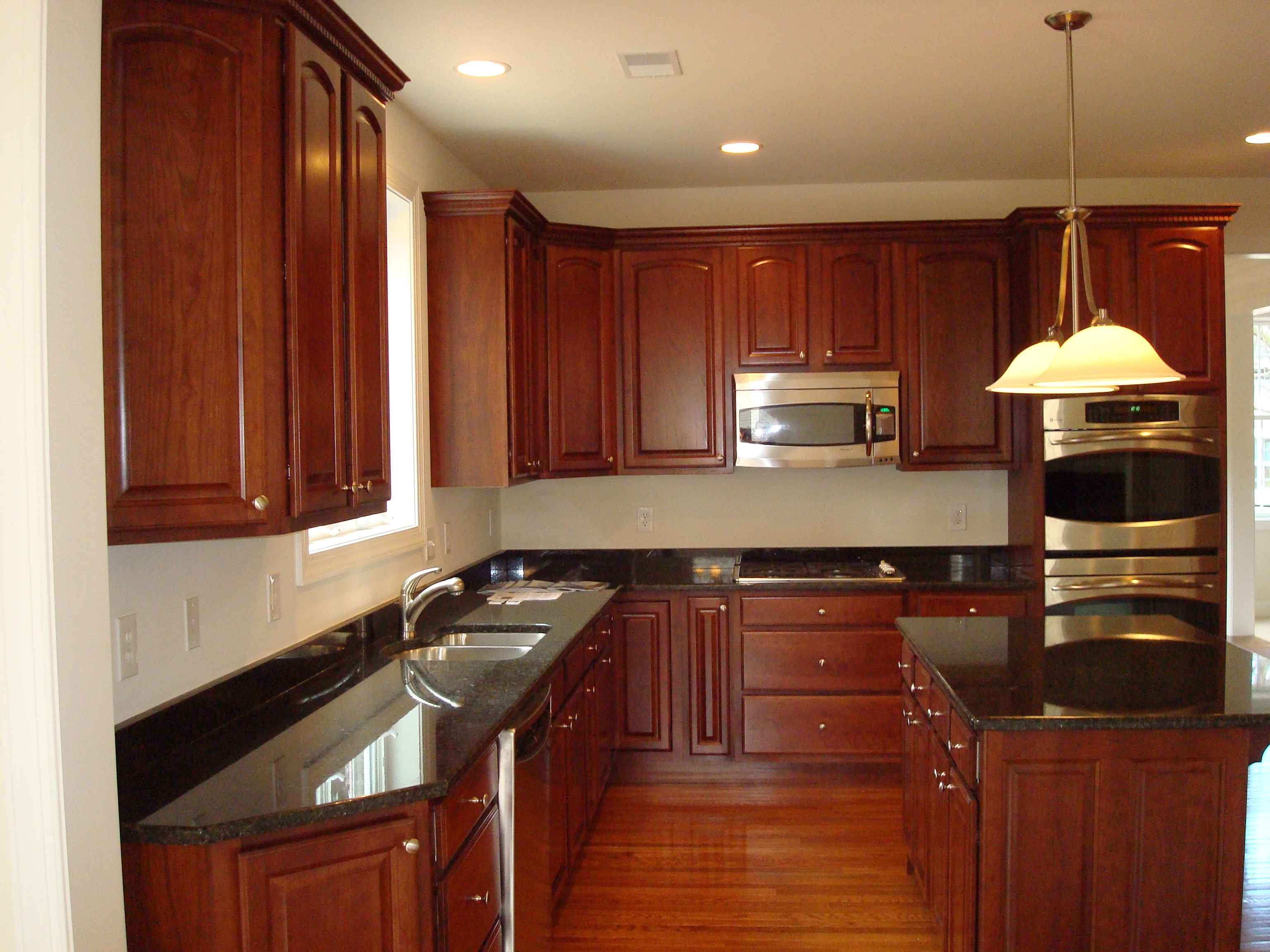 Kitchens and bathrooms renovation kitchen remodeling for Kitchen cabinets and countertops ideas